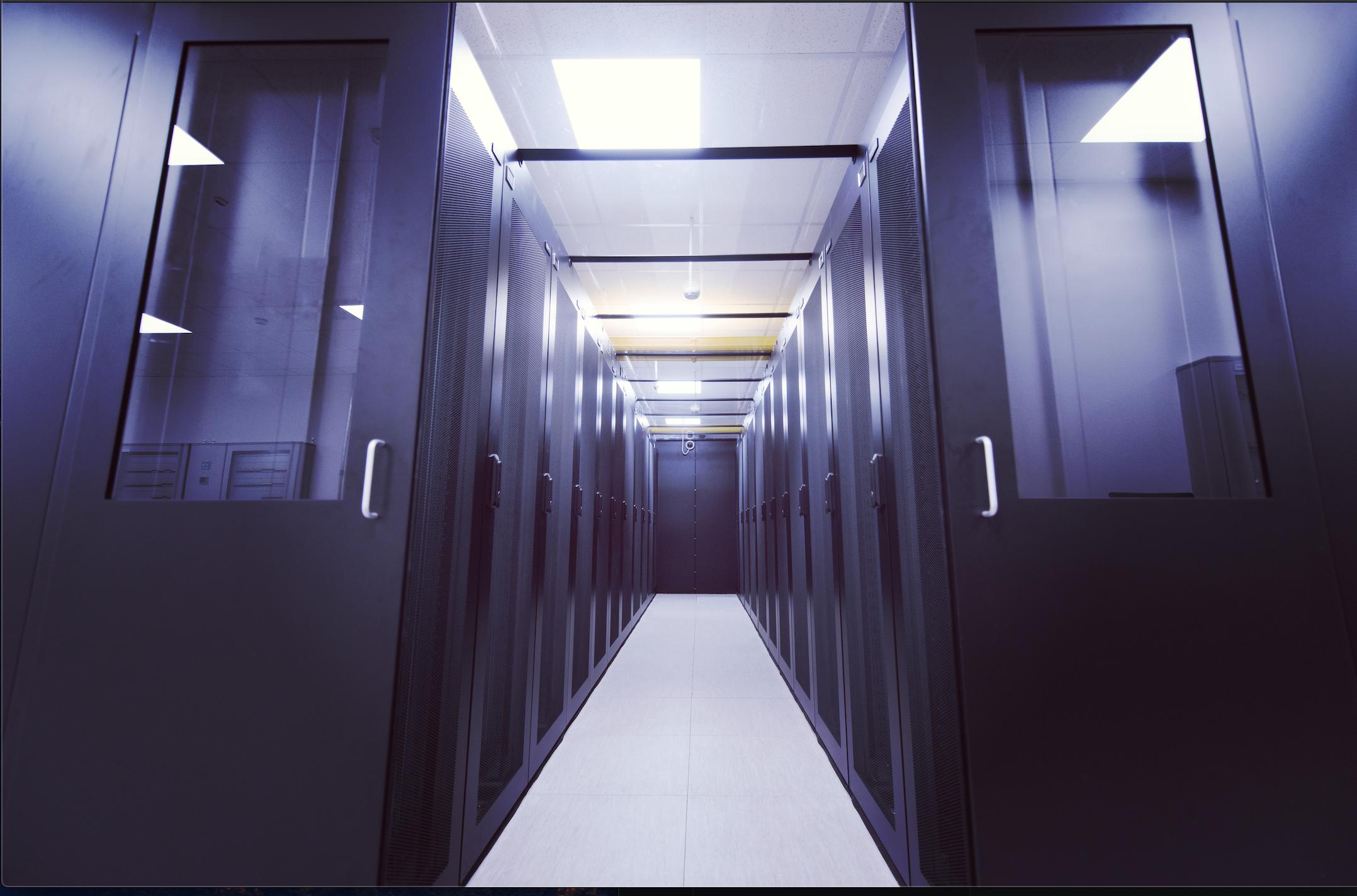 cloud migration server room